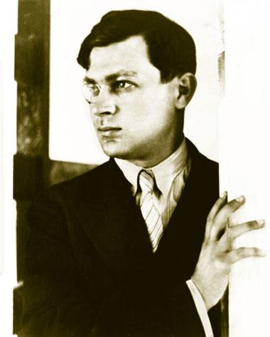 "Основатель течения ""дадаизм"" — Тристан Тцара. 1926 г"